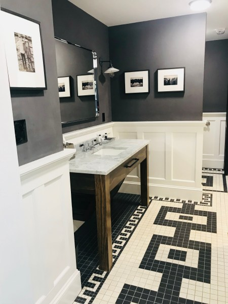 Photograph Room bathroom