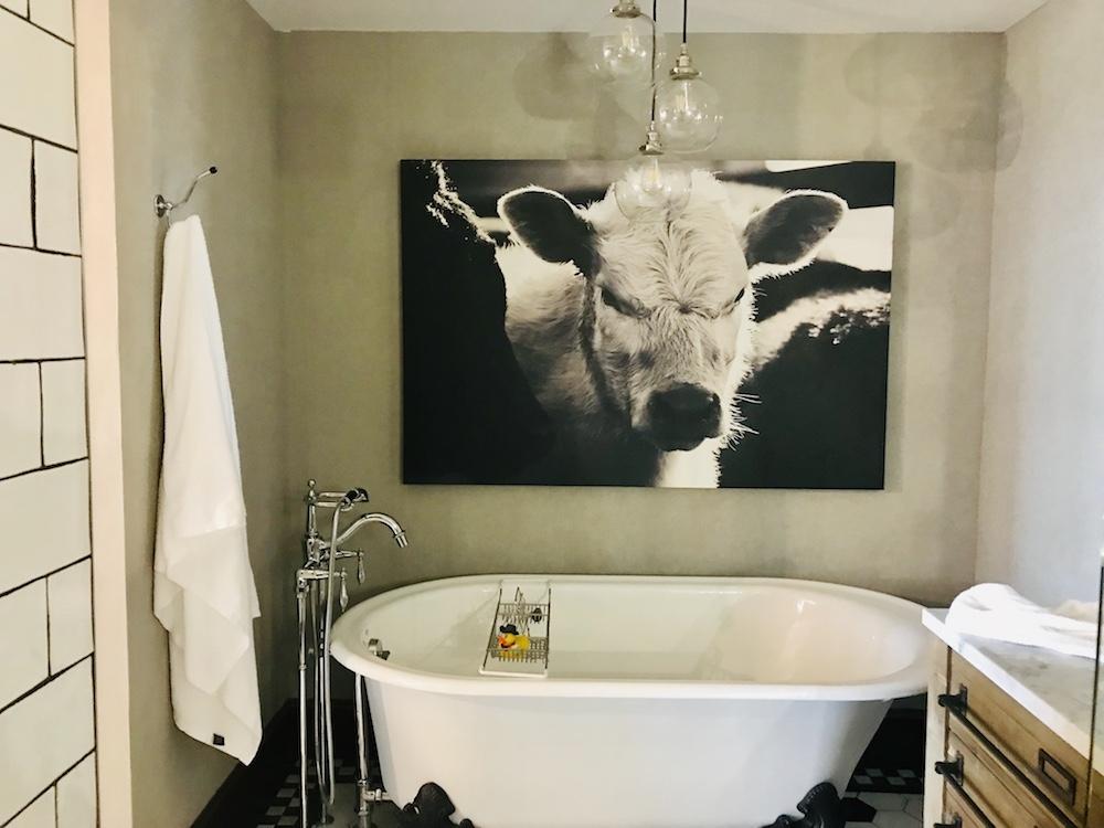 clawfoot tub boarding house Pioneer Woman hotel