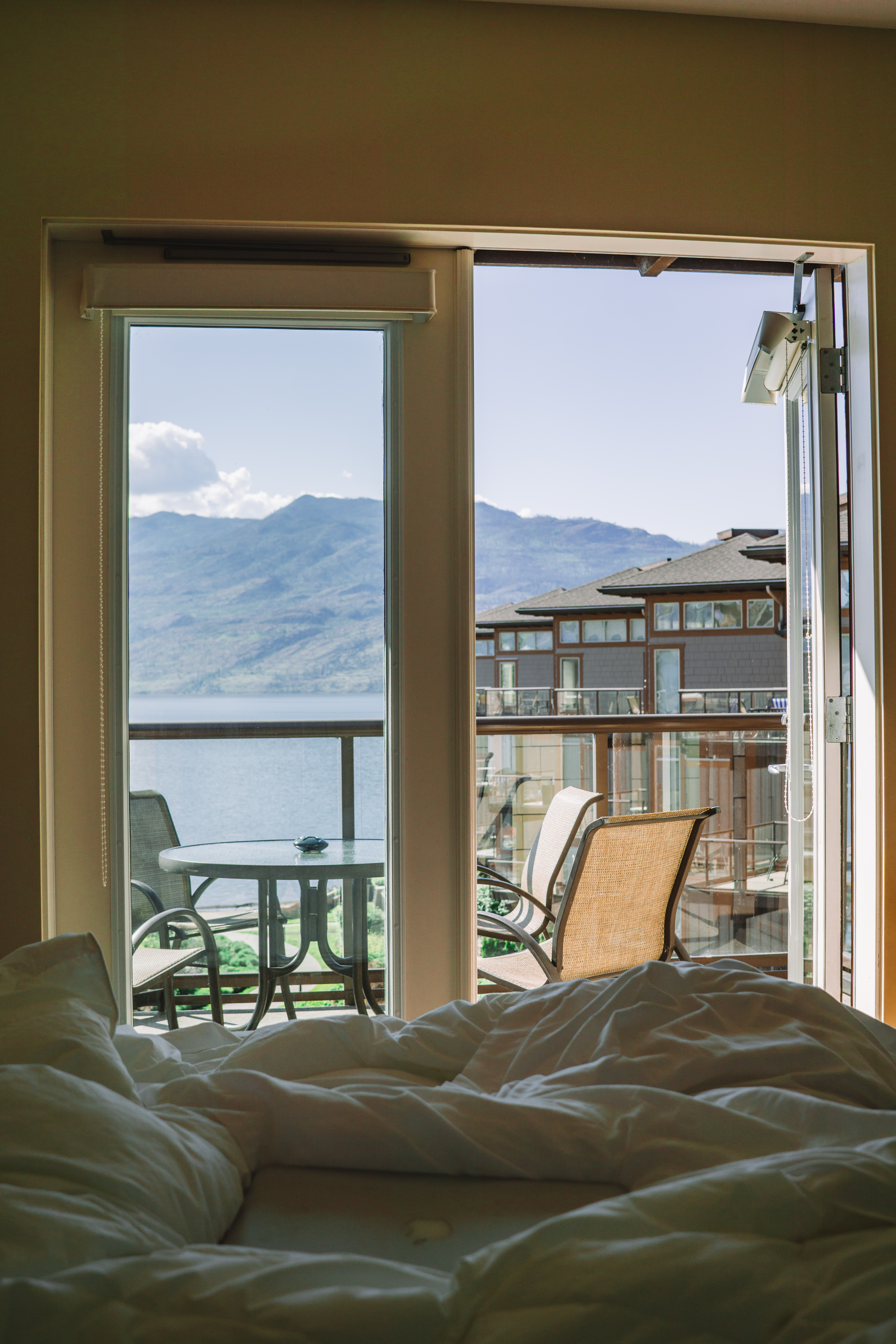 Waking up at the Cove Lakeside Resort
