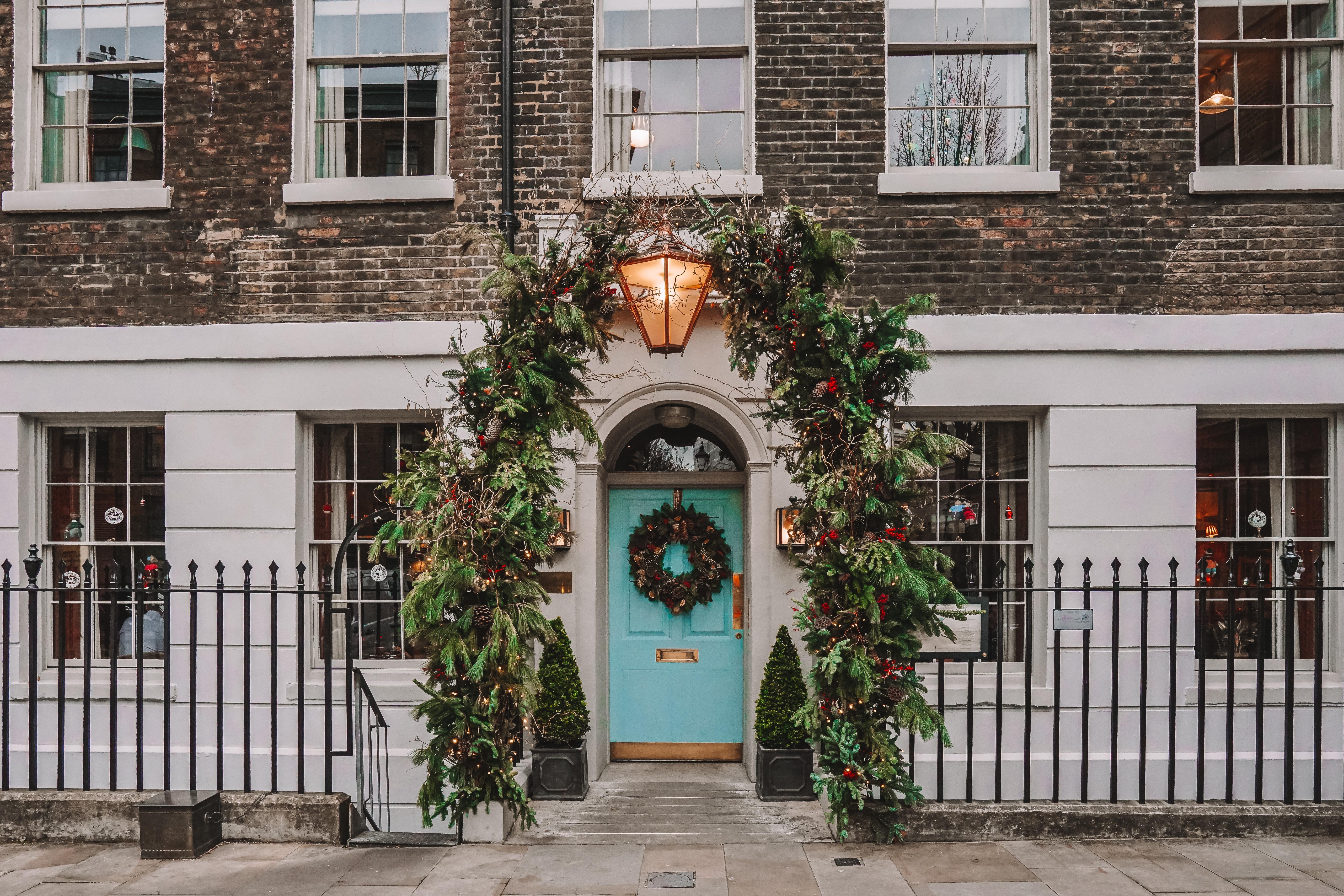 Christmas in London | London's Best Festive Displays | Clerkenwell