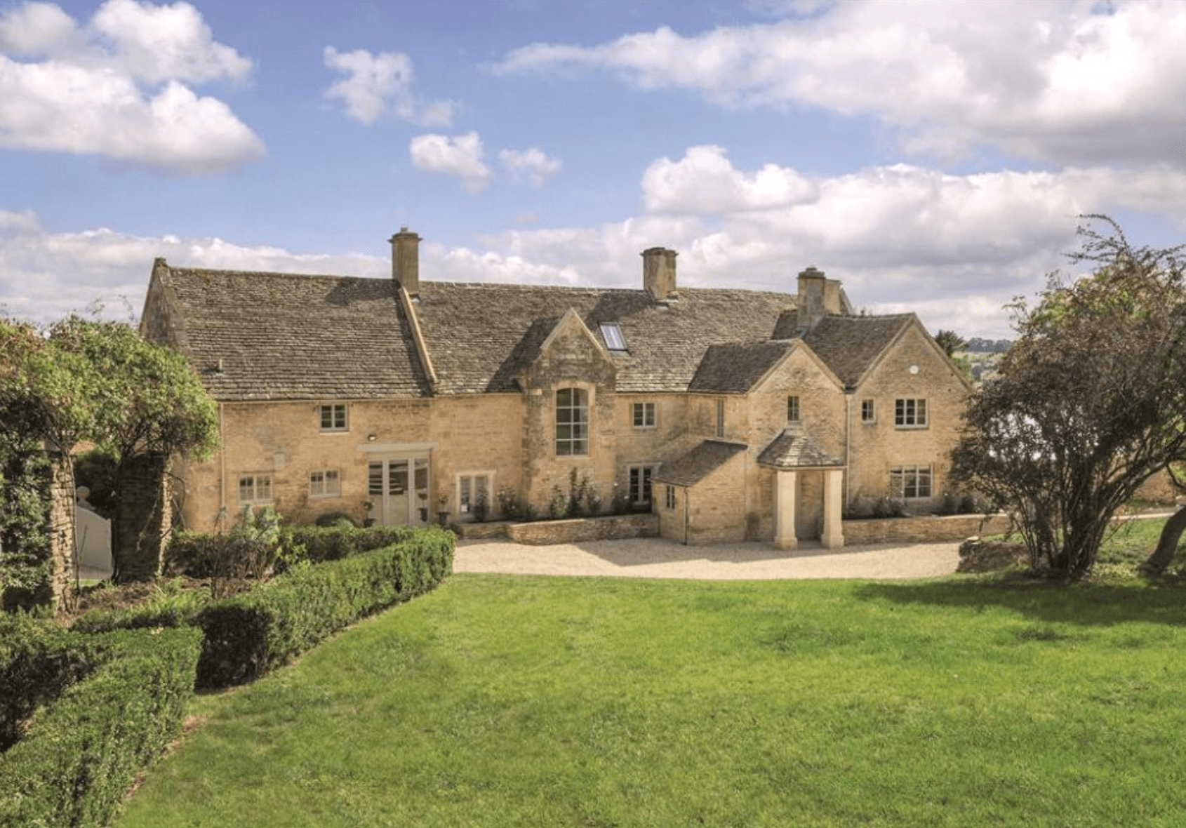 5 Epic Houses for Sale in the Cotswolds| Maugersbury