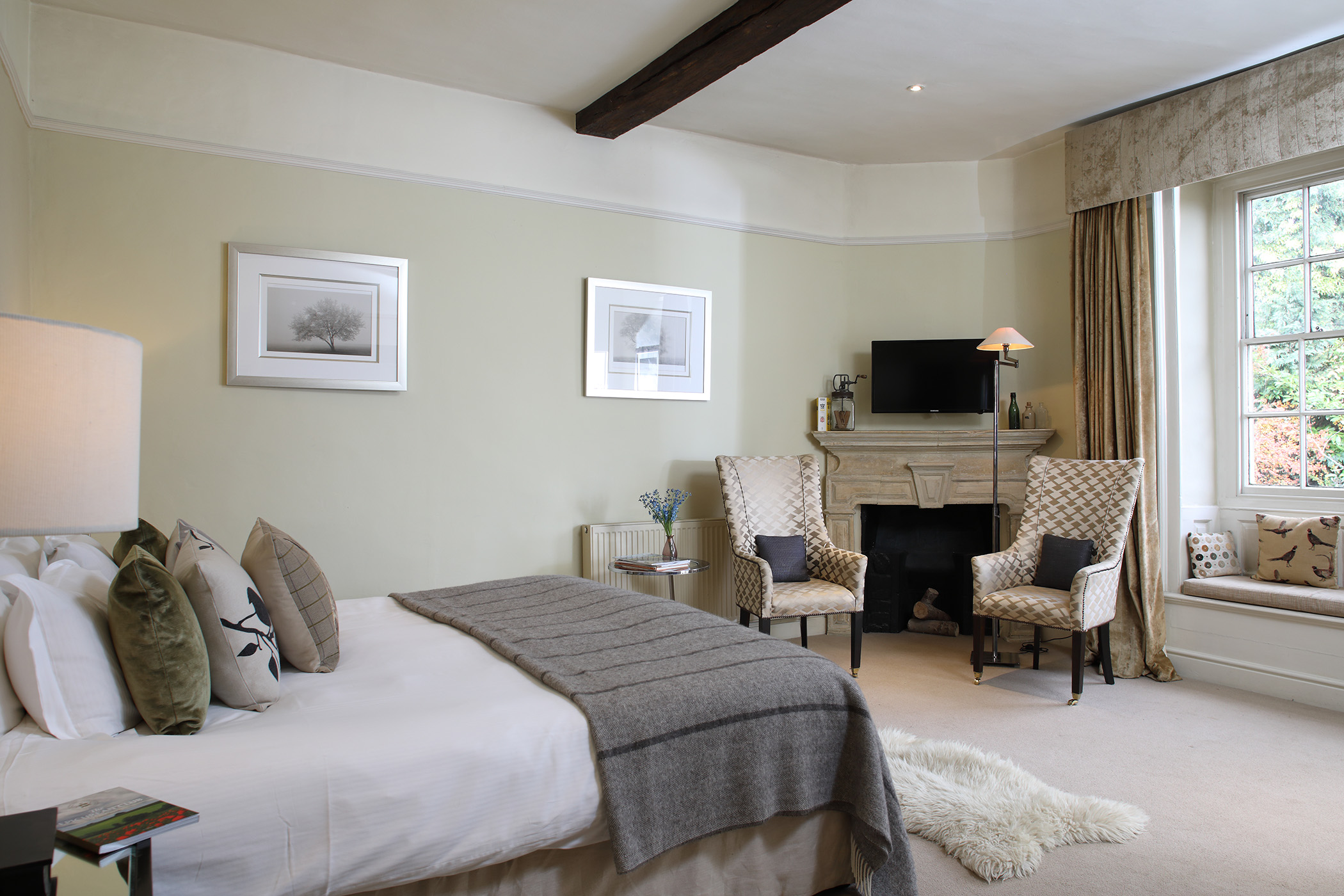 Dog-Friendly Hotels in the Cotswolds | Horse and Groom