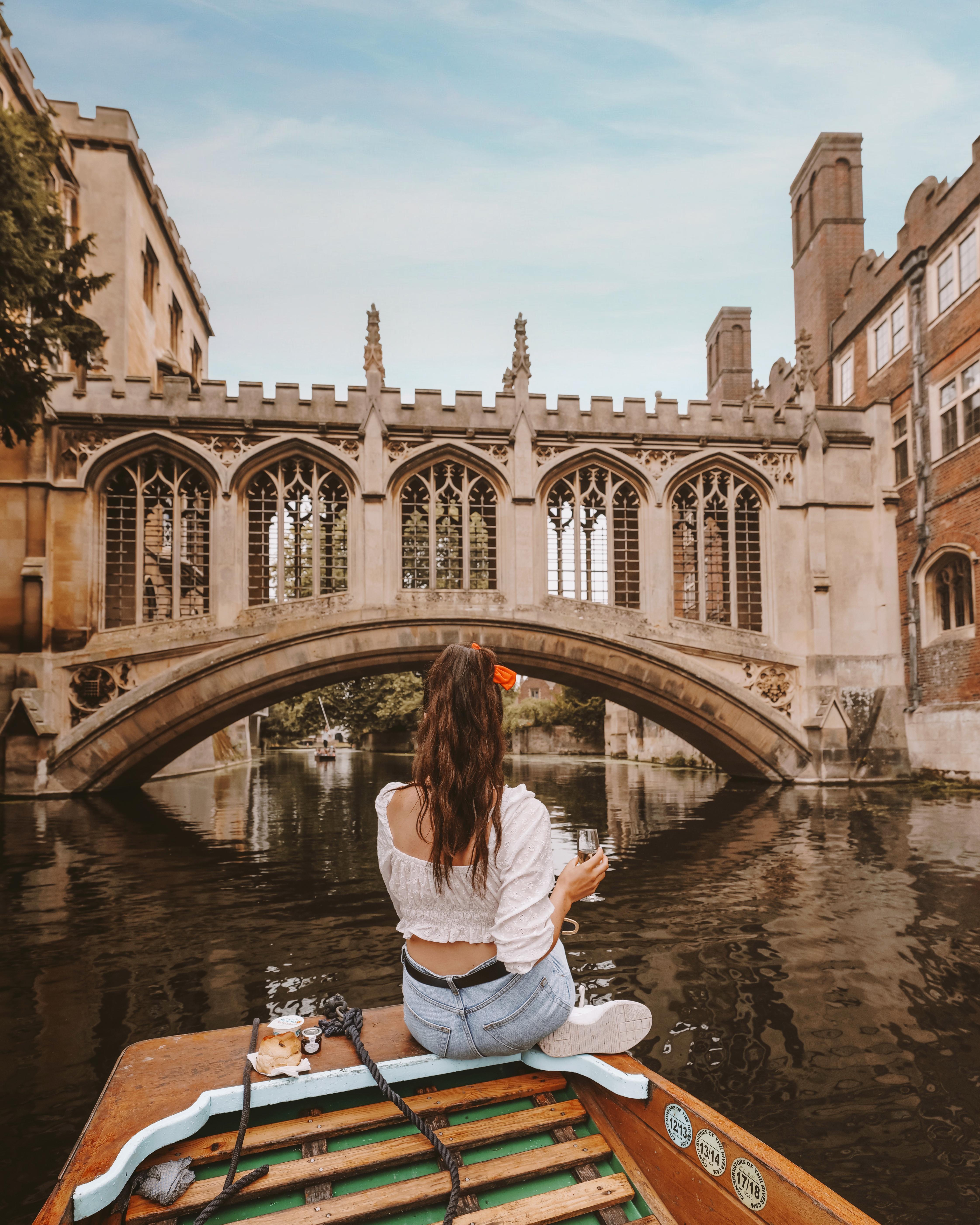 Punting-in-Cambridge