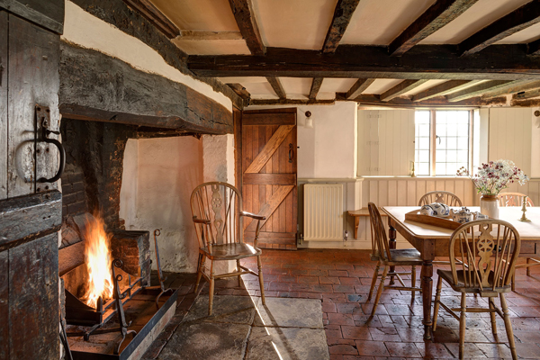 cosy_cottages_to_spend_christmas_in_obriss_farm_kent