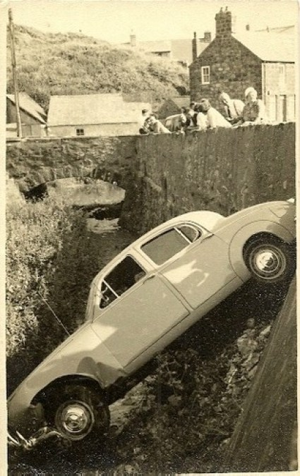 ABERDARON JAGUAR CAR CRASH