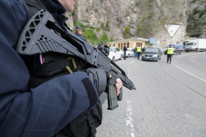 Armed police at Menton crossing