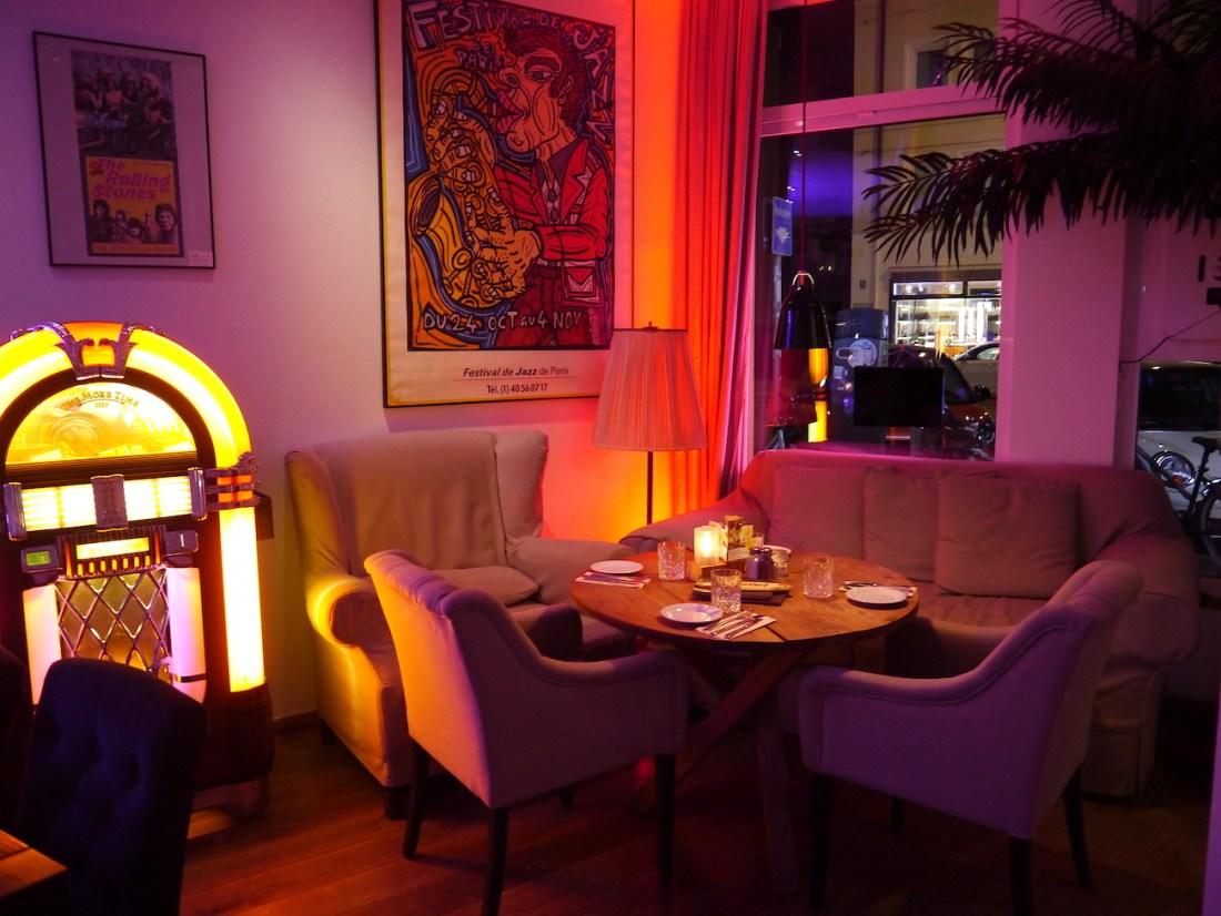 ArtsnBoards, Lounge