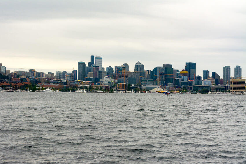 viewing seattle by seaplane waterfront
