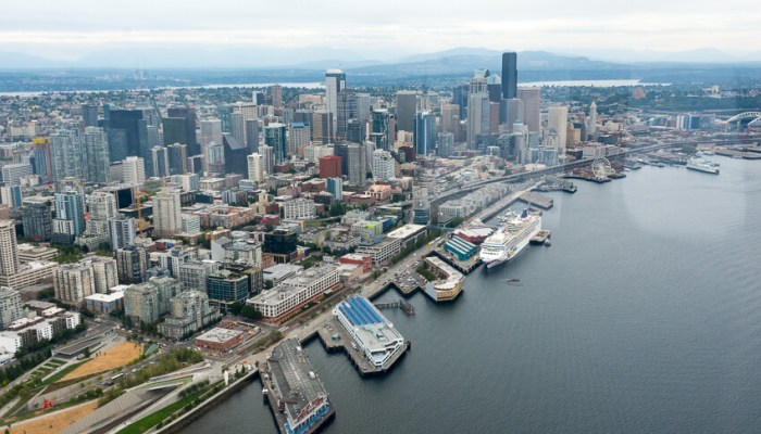 Viewing Seattle by Seaplane