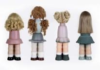 Bonecas a, b, c, d, Série Ilegais, 2010, resina, cabelo sintético, 76x28x28cm, Coleção Particular Dolls a, b, c, d, Illegals Serie, 2010, resin, synthetic hair, 76x28x28cm, Private Collection