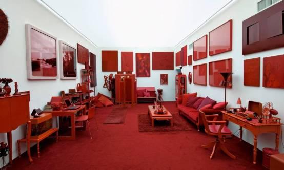 Desvio para o vermelho, 1967—1984 técnica mista 300 x 1000 x 500, Cildo Meireles