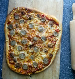 Pizza with meat bals