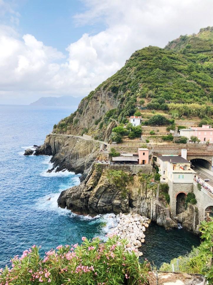 Una bellissima vista sul mare da Riomaggiore
