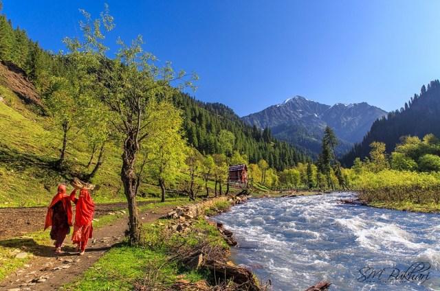 Neelum Valley Azad Kashmir by Syed Mehdi Bukhari