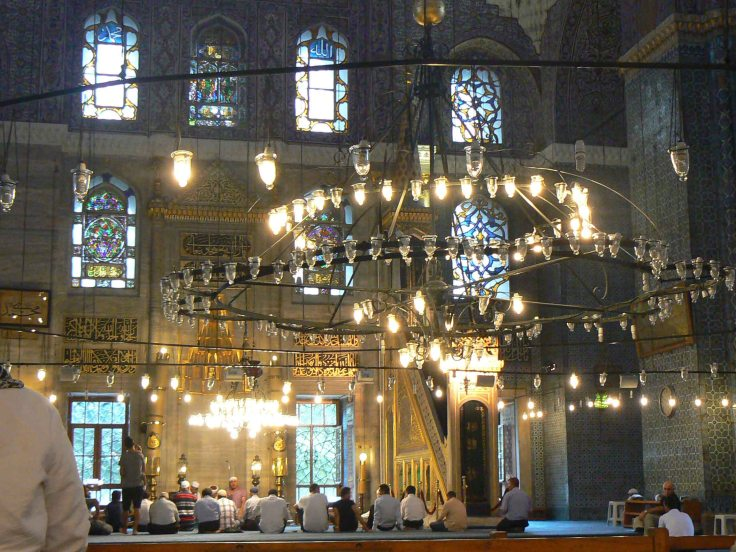 La preghiera nella Moschea Nuova