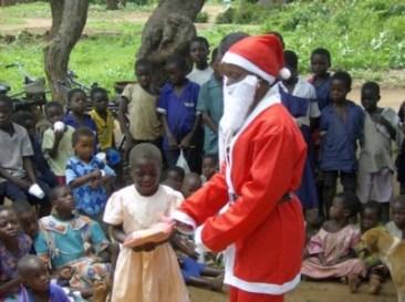 Babbo Natale in un villaggio africano