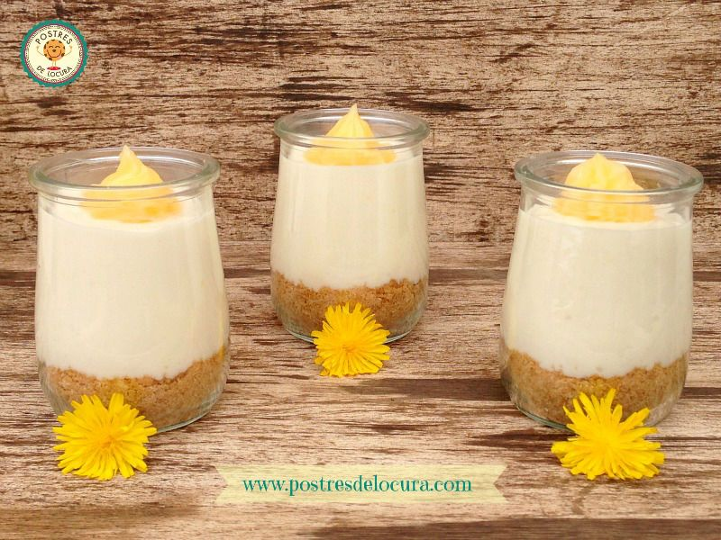 vasitos de tarta de queso con crema de limón