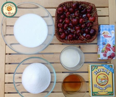 Ingredientes panacota con coulis de cereza