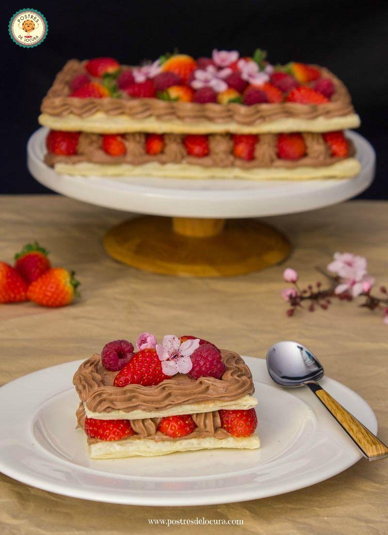 Milhojas con chocolate y frutos rojos