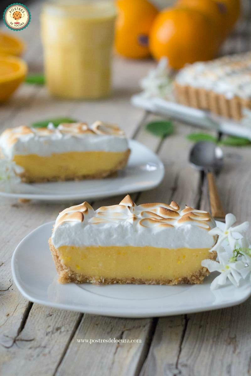 Porciones de tarta de crema de naranja y merengue