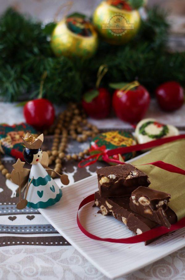 Turrón de Chocolate con Avellanas