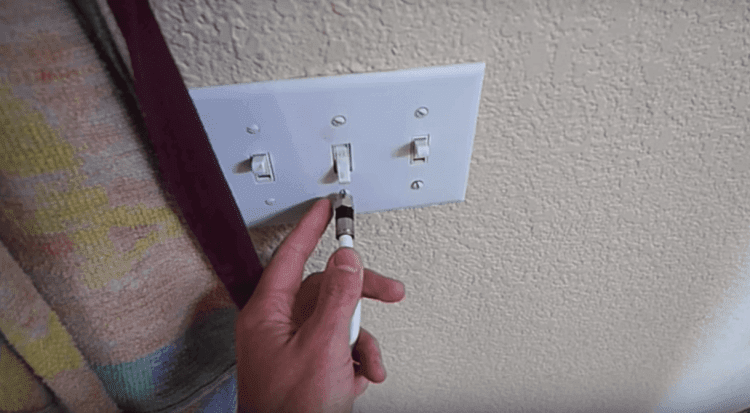 HDTV Antenna On Electrical Outlets