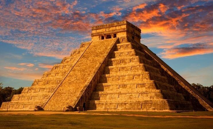 Pirâmide de Chichen Itza, México