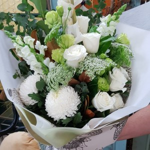 White and green gift bouquet Posy & Twine