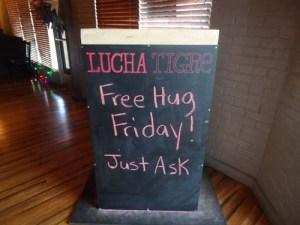 Free hugs lucha copy