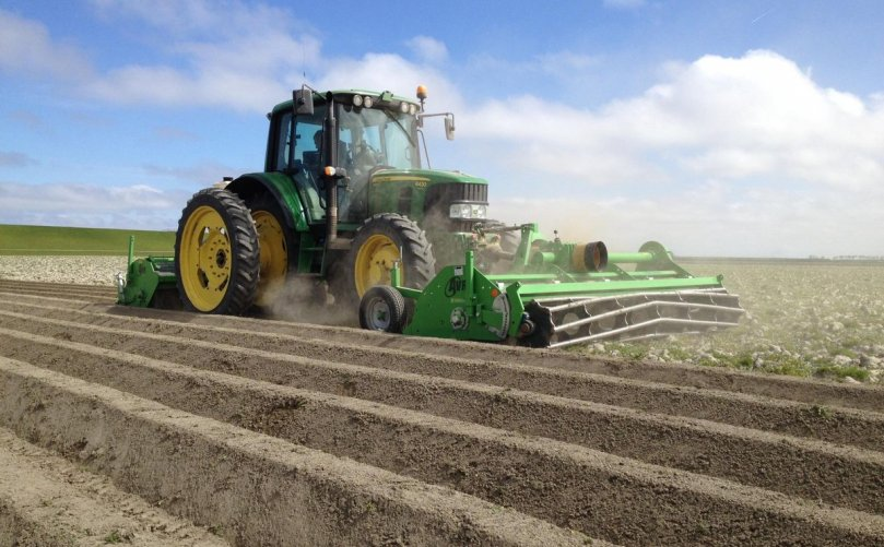 New dealerships for AVR potato equipment in Canada