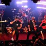 """Prophets of Rage"" lanzan video del sencillo ""Unfuck The World"" dirigido por Michael Moore"