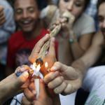 Por qué los fumadores de hierba son los mejores amigos que puedes  tener