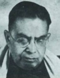 Black and white Image of Acharya Chatursen Shastri