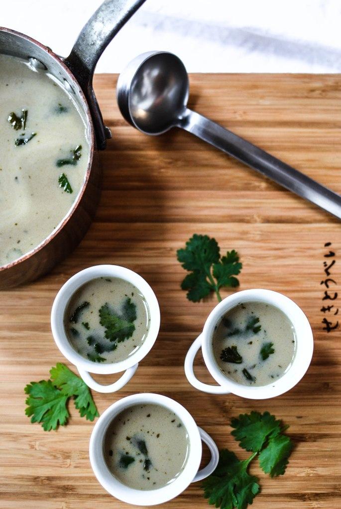 bouillon au lait de coco et coriandre