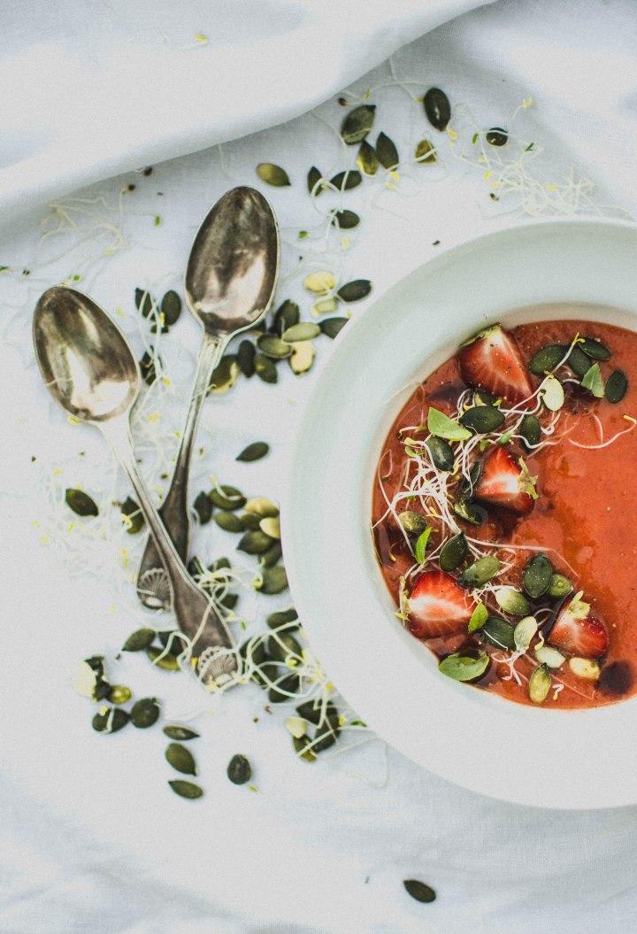 Soupe froide fraises et poivrons confits - Potimanon