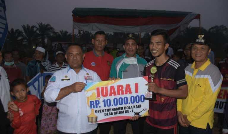 Sekda Kampar Tutup Tournament Sepakbola Desa Silam