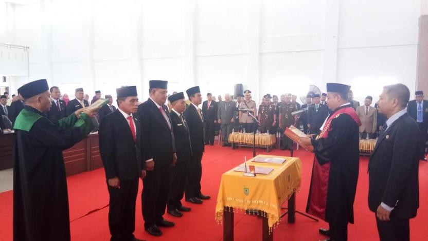 Pelantikan Anggota DPRD Rohil 2019-2024, Eksekutif dan Legislatif Harus Bersinergi
