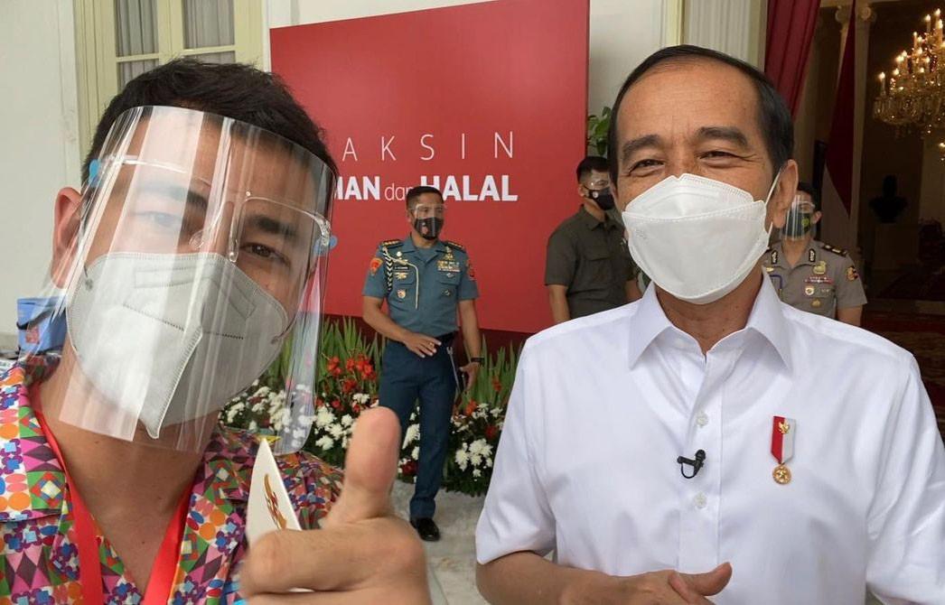 Imbauan Raffi Ahmad Setelah Jalani Vaksin Covid-19 Bareng Jokowi