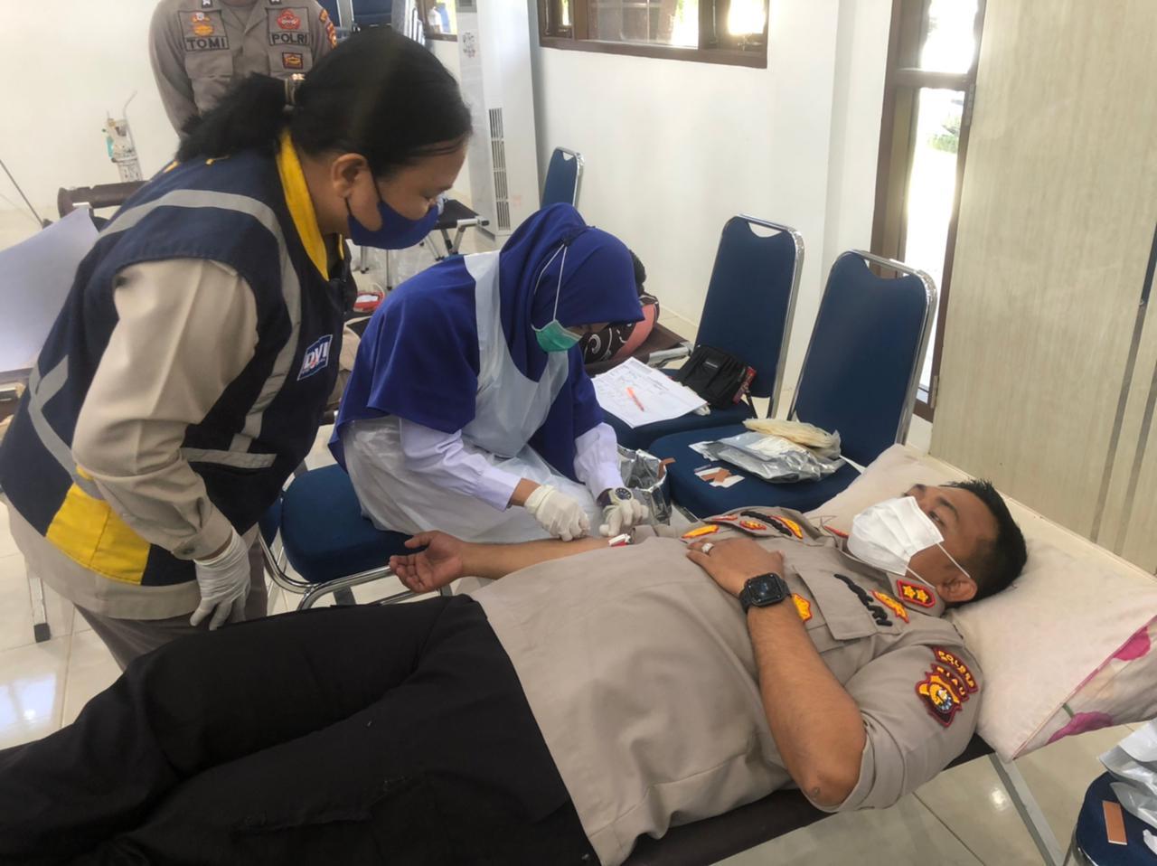 Dalam Rangka Hari Bhayangkara ke – 75, Polres Siak Gelar Donor Darah