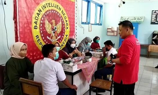 BIN Riau Gelar Vaksinasi Massal di SMP N 13 Pekanbaru, Ratusan Pelajar Antusias Ikuti