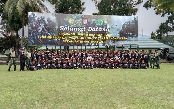 Perangkat Desa Muba Latihan Kepemimpinan dan Wawasan Kebangsaan oleh Batalyon Infanteri Raider 300/Brajawijaya