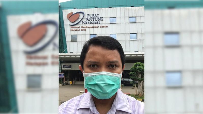 Pakai masker dengan baik saat pergi ke rumah sakit