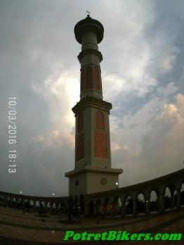 Masjid Agung Madani