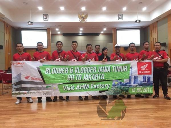 Blogger & Vlogger Visit plant 4 5 AHM (104)