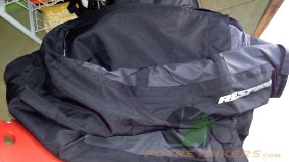 air vent system yang mencegah agar udara di dalam jaket tidak pengap/gerah
