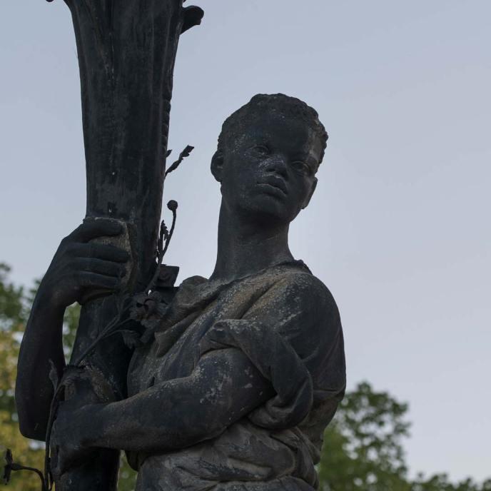 Schwarzer Soldat am Neuen Palais