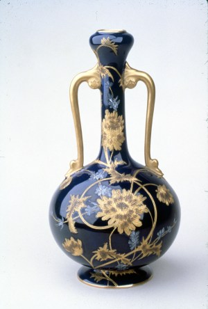 Greenwood Pottery, Ne Plus Ultra Vase, porcelain, about 1885, H 9 in, Priv Coll