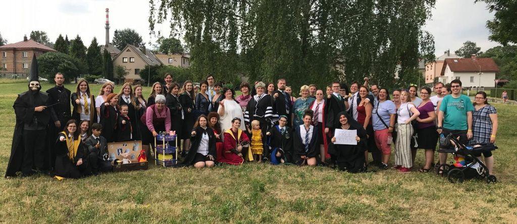 Skupina Potterfan a příznivci z Festivalu fantazie 2019.