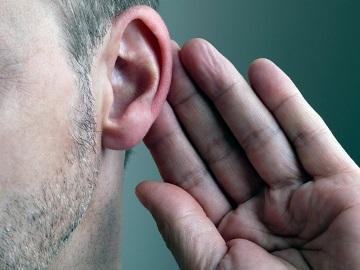 Горит левое или правое ухо приметы расскажут почему горят уши