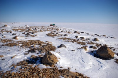 Cambridge Bay's cottage country along Dease Straight
